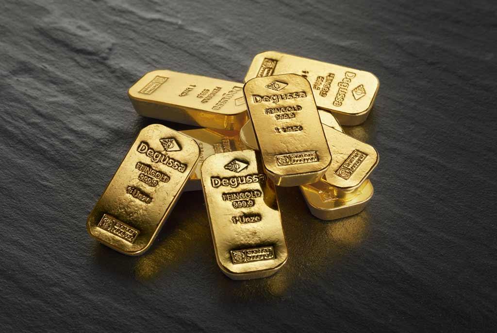 Degussa-Goldhandel-Goldbarren-Haufen