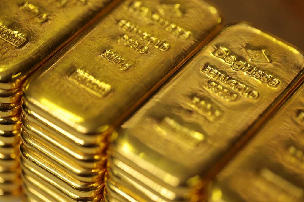 Degussa-Goldhandel-Goldbarren-gestapelt