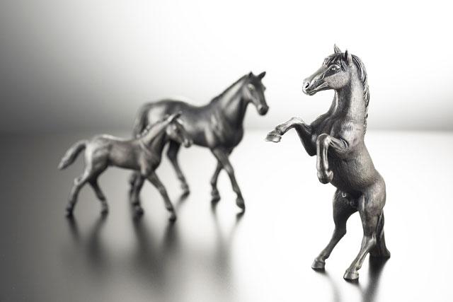 Degussa Goldhandel produziert hochwertige Tierfiguren