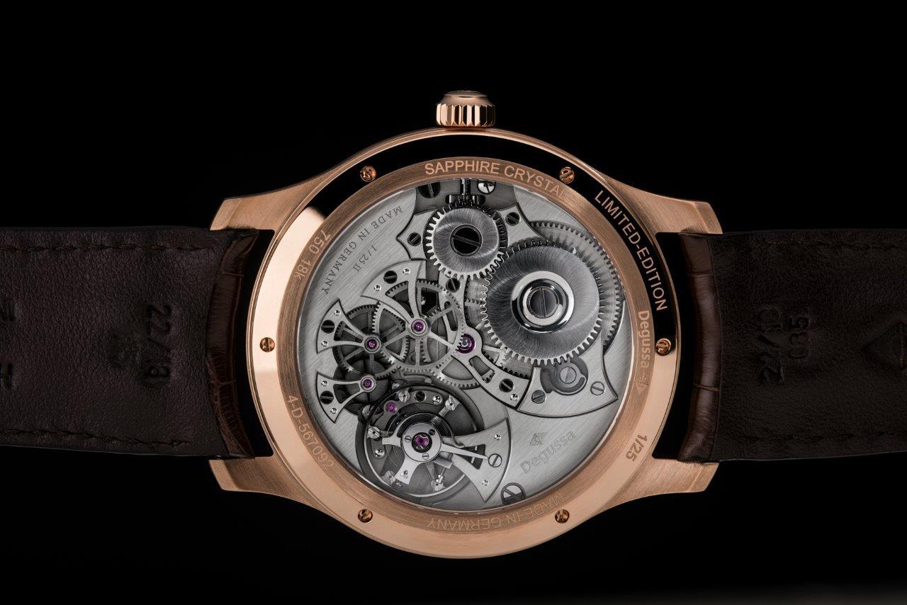 degussa-limited-edition-grand-classic-ruckansicht-uhrenwerk