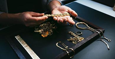 Goldkurs beflügelt Altgoldgeschäft